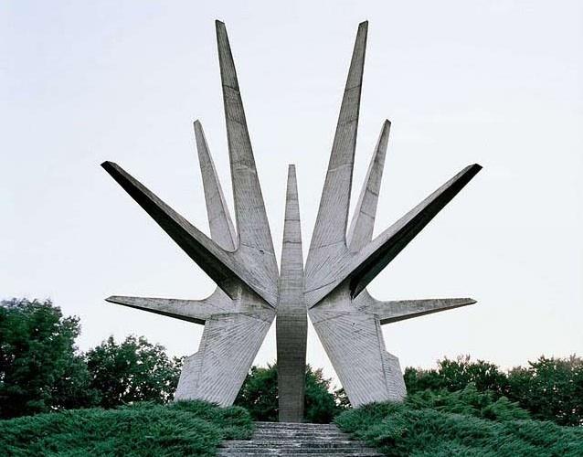 Spomenik6