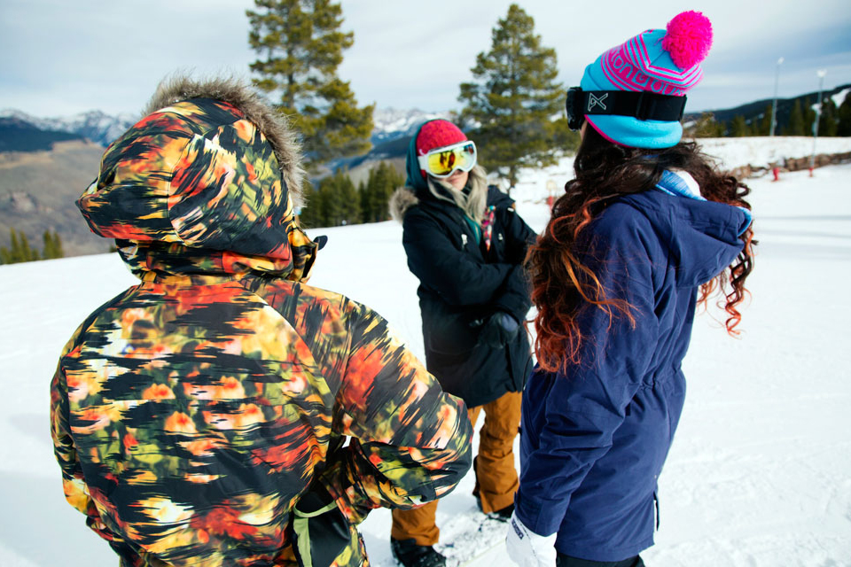 10-Burton-Womens-2014-Action_2