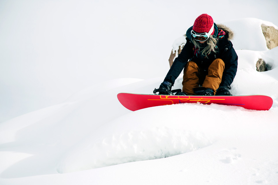 11-Burton-Womens-2014-Action_3
