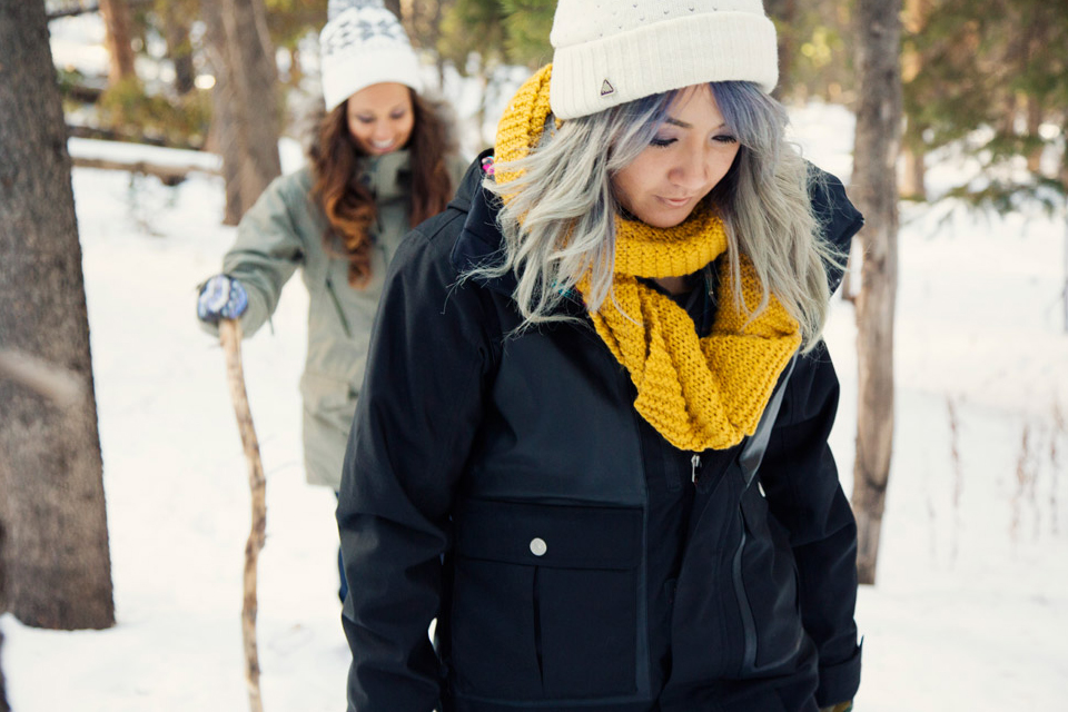 12-Burton-Womens-2014-Action_5