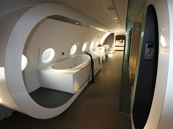 Cold-War-Aircraft-a-hotel-suite-1