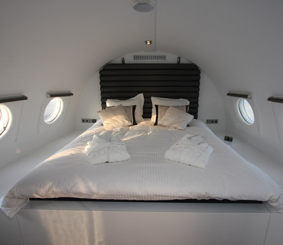 Cold-War-Aircraft-a-hotel-suite-3